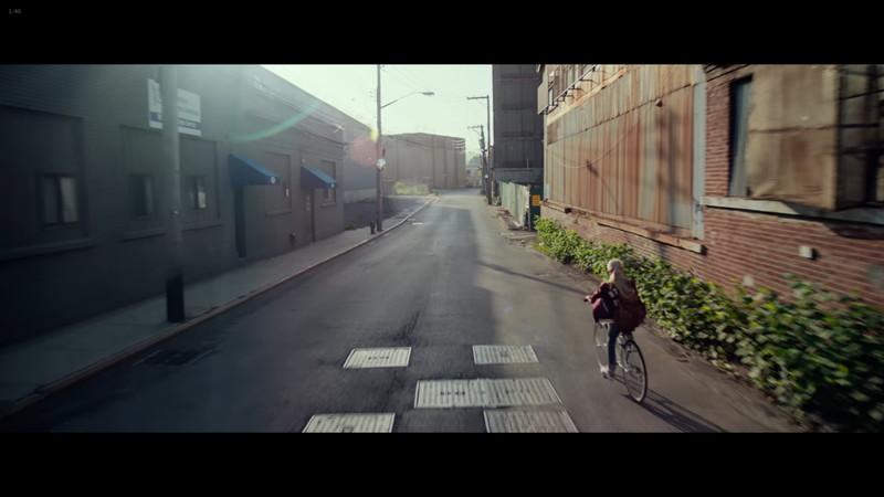【75点】胃がキリキリ痛む「NERVE(ナーブ)」評価と感想:ヴィーが自転車で駆け抜けるシーン