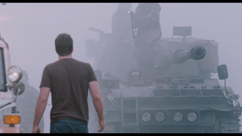 霧の奥から戦車