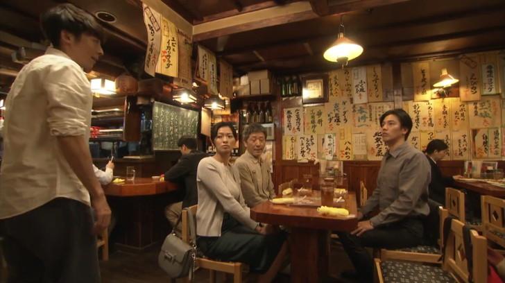 4人での居酒屋シーン