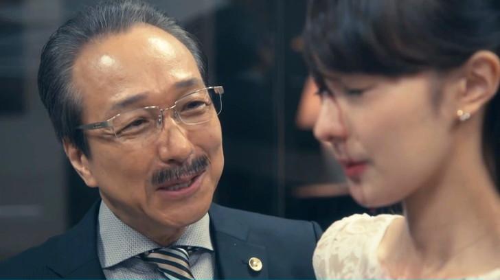 【リーガルV(ブイ)】第2話感想。めっちゃリーガルハイっぽい:中沢秘書にワインをかける天馬代表