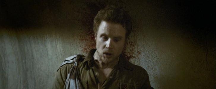【80点】終末後のシェルターでの共同生活「ディヴァイド」感想:サムに撃たれたエイドリアン