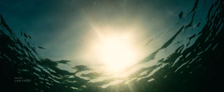 Netflix「エヴォリューション」評価と感想:オープニング:この退屈な水面の映像が2分続く