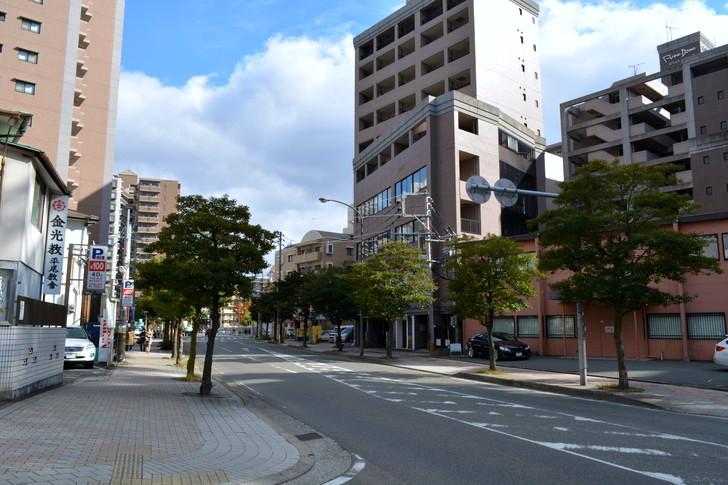 福岡散歩日誌:平尾駅の裏側